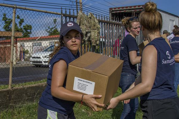 Good Samaritans work with Reserve Soldiers in Puerto Rico